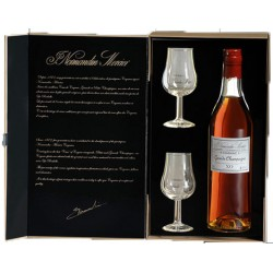 Gift Box to dial: 1 Bottle (not included) + 2 tulip glasses Normandin-Mercier